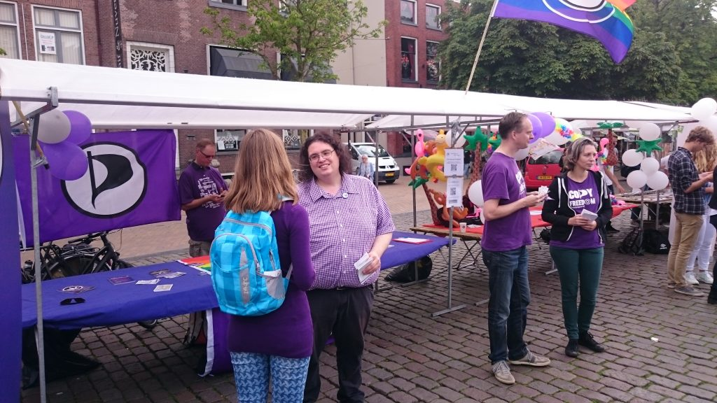 Piratenpartij Delft bij informatiemarkt OWee @ Markt | Delft | Zuid-Holland | Nederland