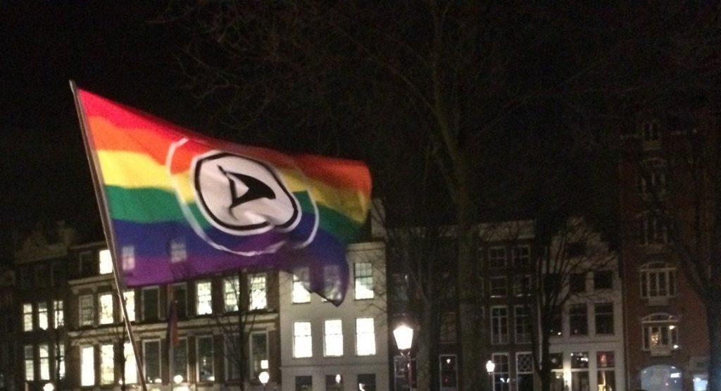 Piratenpartij regenboog vlag